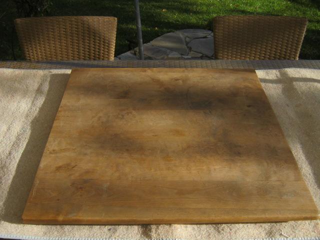 artworx tisch mit ranken. Black Bedroom Furniture Sets. Home Design Ideas