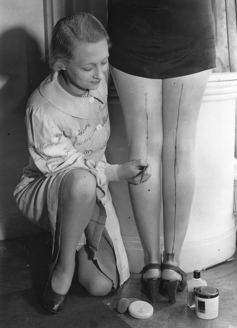 vintage everyday: With Nylon Stockings Scarce, Women Painted Their ...