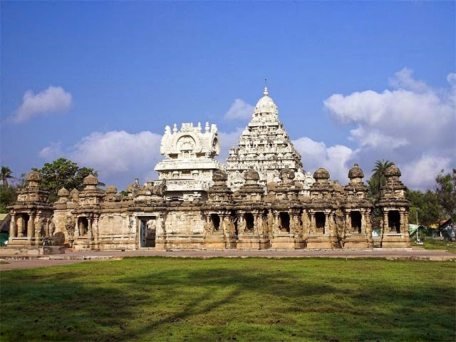 Ekambareswarar Temple - One of the famous Hindu temples