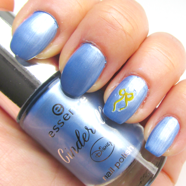 essence Cinderella - 03 Prince Charming - metallisches Finish  - Tragebild