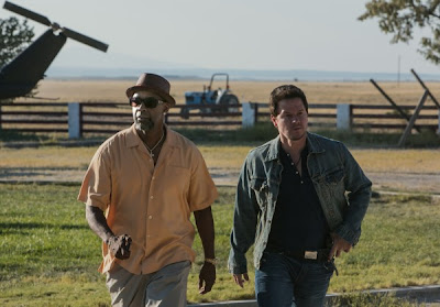 Still of Denzel Washington and Mark Wahlberg in 2 Guns
