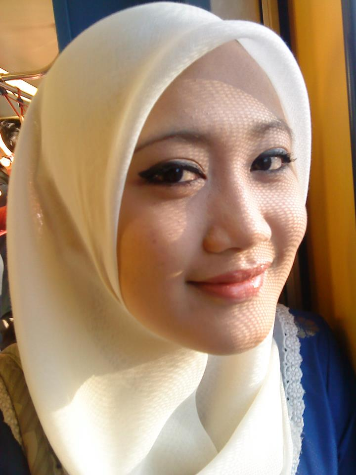HOT Ngentot Gambar Bogel Aksi Gadis Tudung Melayu Lucah Pic 16 of 35