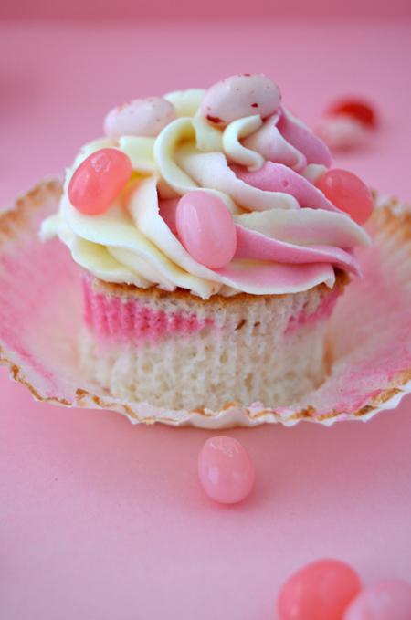 Cupcakes a diario: Angel food cupcakes con Jelly Bellies de Hello ...