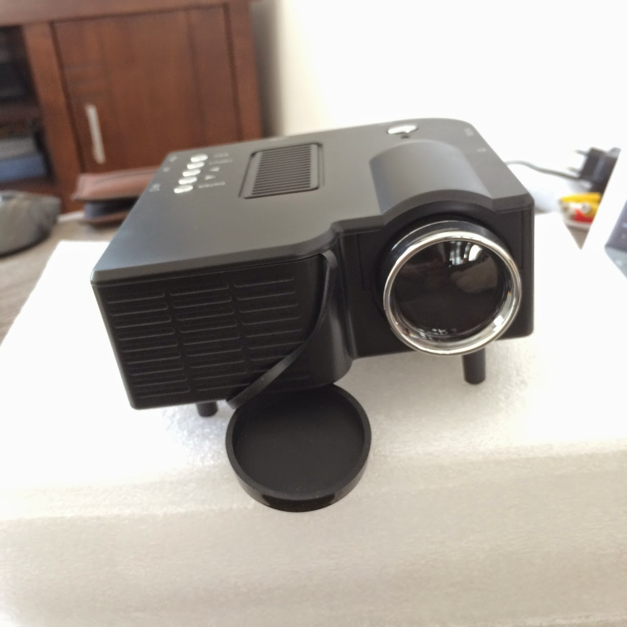 http://lcdproyektormini.blogspot.com/2014/08/portable-mini-multimedia-led-projector.html