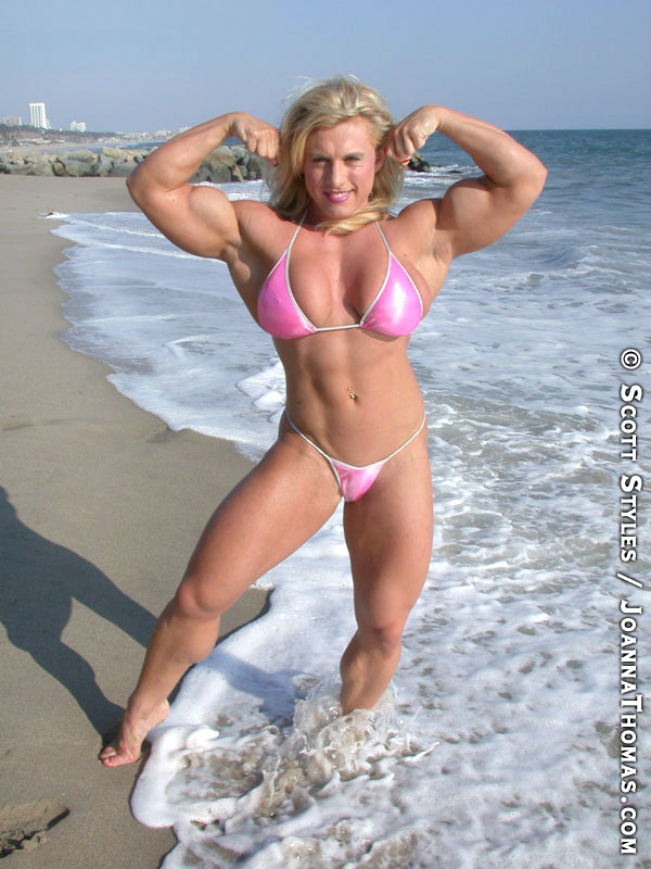 Tazzie Colomb Steroids http://www.massivemusclegirls.com/2011/12/buff-barbie-ifbb-pro-female-bodybuilder.html