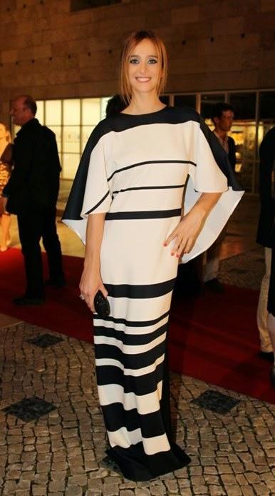Sara Pratas vestido às riscas pretas e brancas Prémios Sophia de cinema