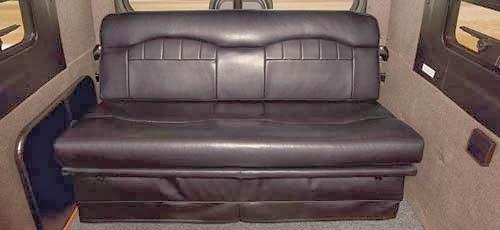 canapé en camping-car cuir