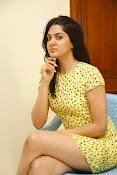 Sakshi chowdary sizzling pics-thumbnail-15
