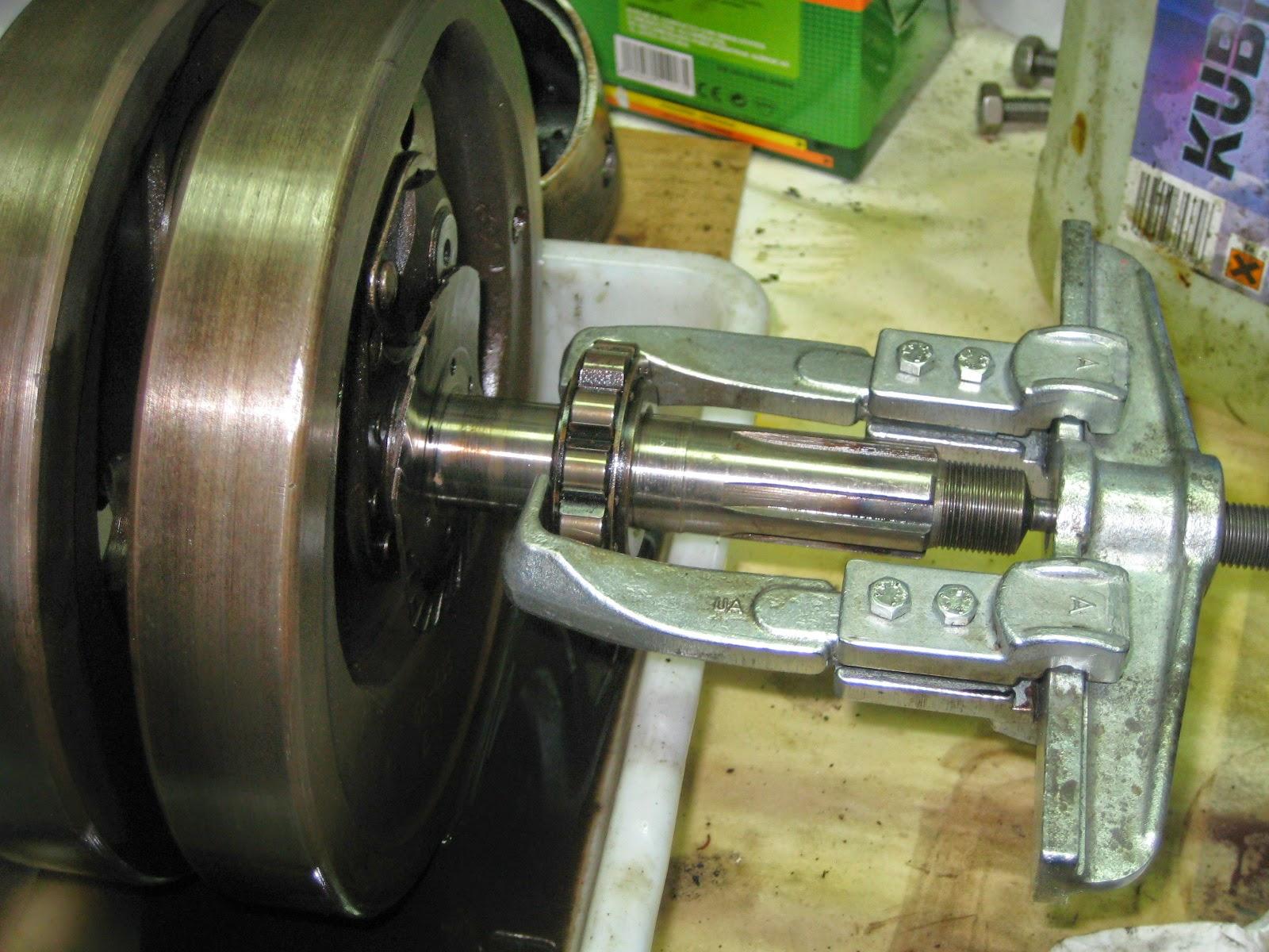 Como extraer el magneto de una moto sin extractor