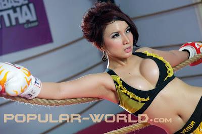 Roro Fitria Hot Indon Model Muay Thai Fighter