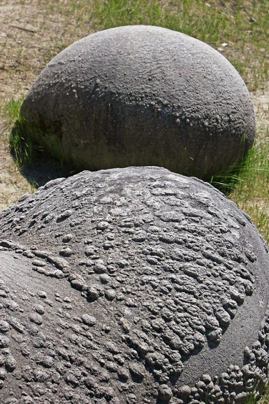 Romania's Unique Living Stones That Reproduce