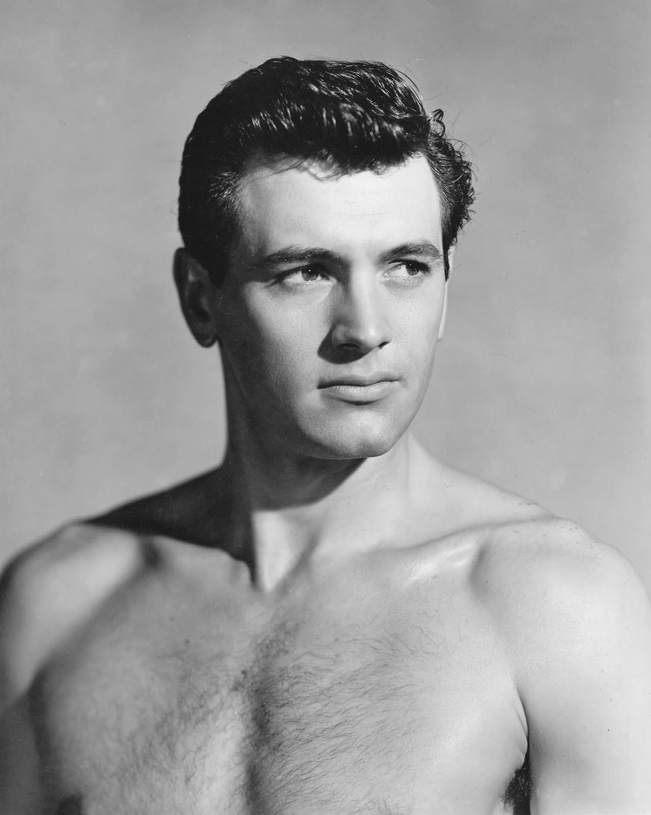 http://3.bp.blogspot.com/-Nd7Ih07tS7Q/Tm9atprbxMI/AAAAAAABExY/Vs1fd_uPELA/s1600/shirtless-rock-hudson.jpg