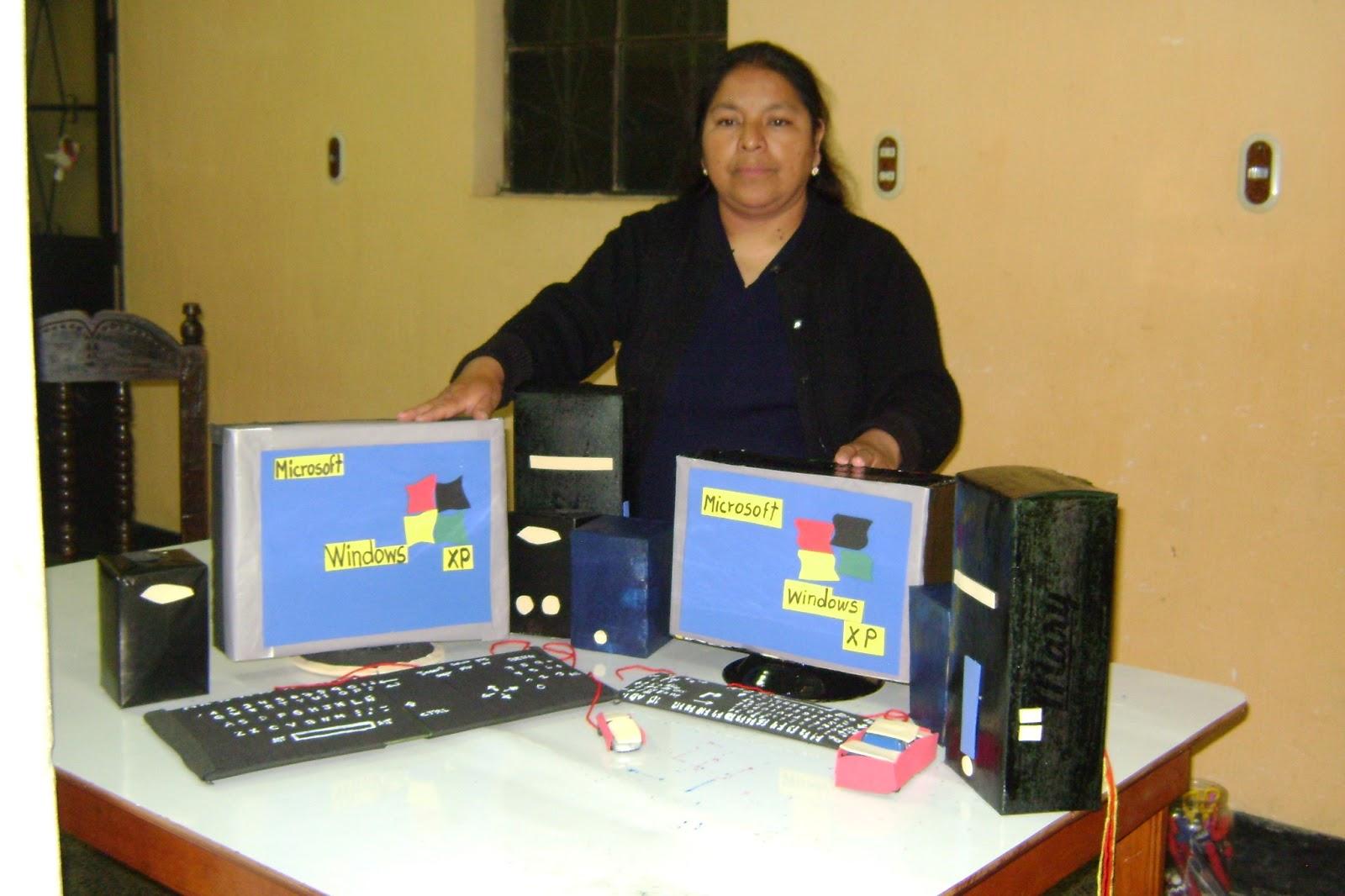 Elaboración de la computadora con material reciclable