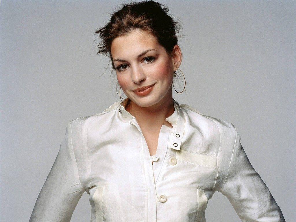 http://3.bp.blogspot.com/-NdEcDY33Nm0/Tv08DpmME5I/AAAAAAAAB-M/iQcrN9Ajalw/s1600/Anne-Hathaway-Cute-Lips.jpg