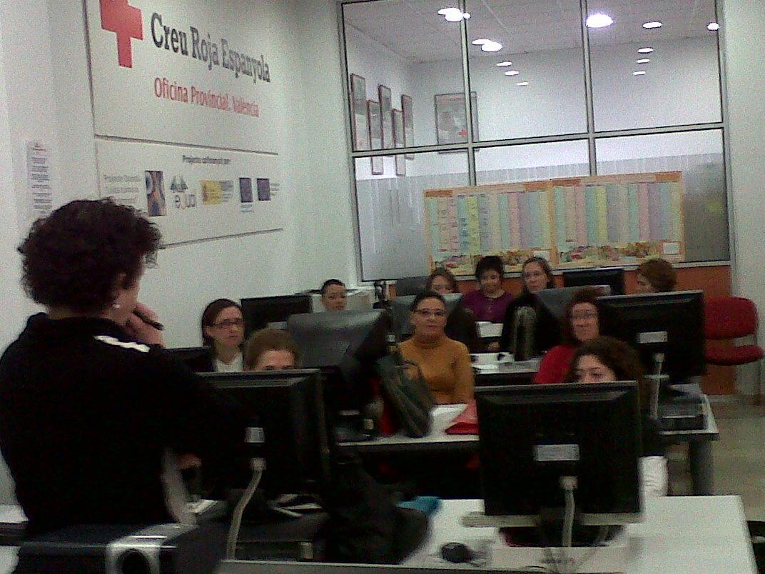 Taller empleo inclusi n social cruz roja oficina for Oficinas de empleo valencia