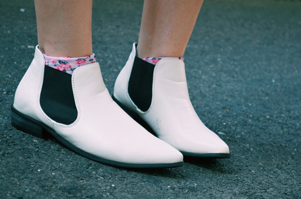 white ankle boots with black accent - Missguided