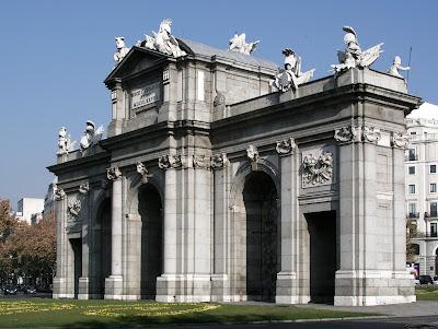 La Puerta de Alcalá - Madrid - que visitar