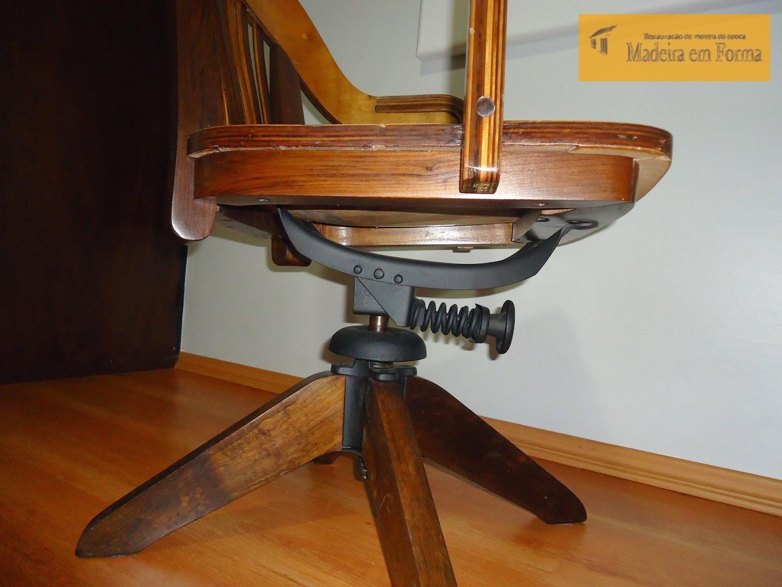 Restauração de Móveis de Época : Cadeira Cimo giratória  #B27E19 1600x1200