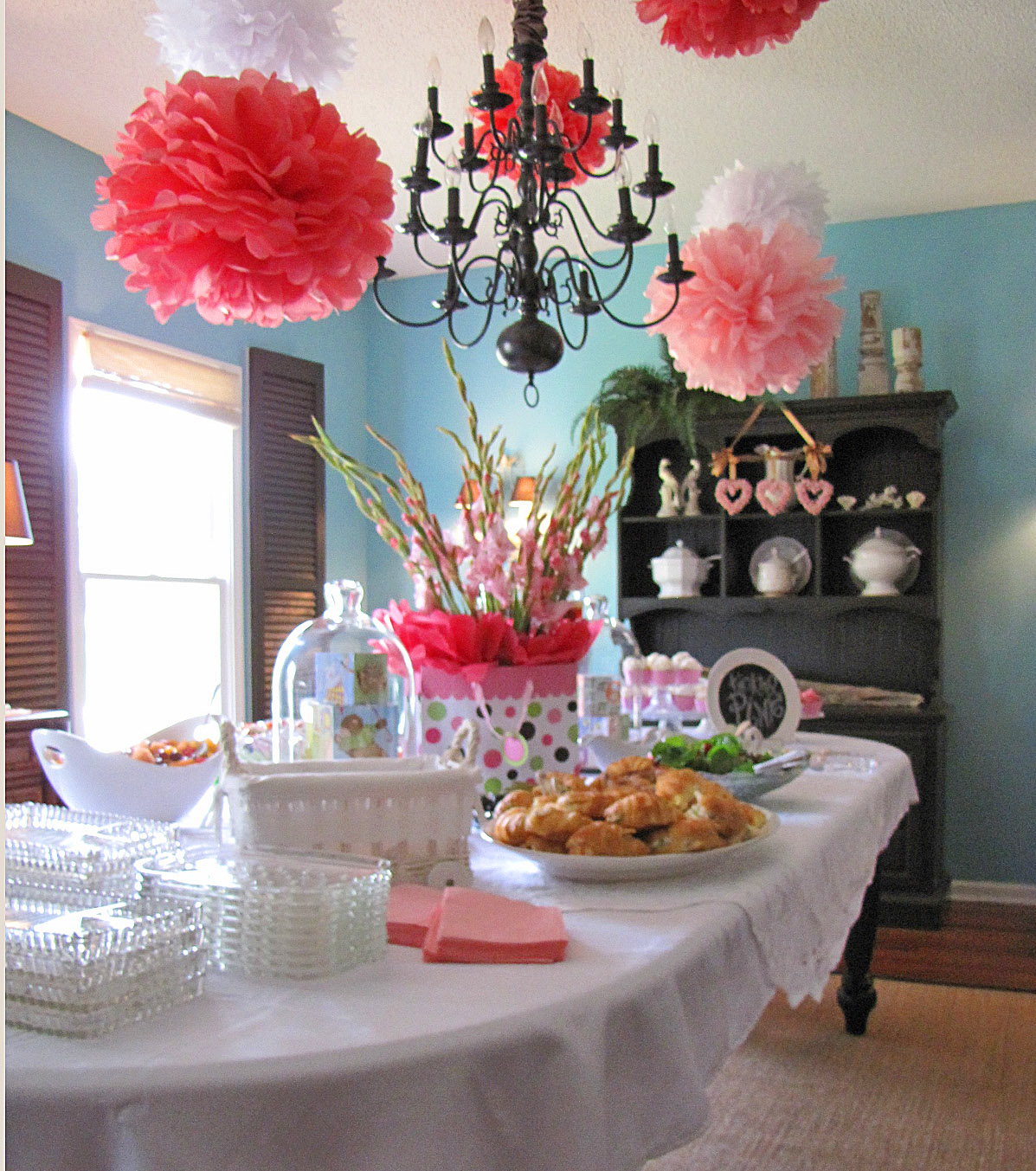 Goodbye house hello home blog pink and aqua baby for House table decorations