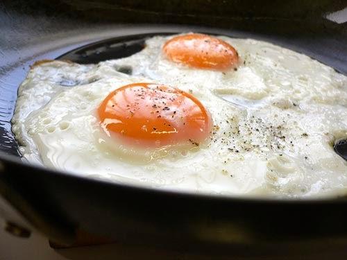 Lòng trắng trứng dễ gây dị ứng cho trẻ dưới 1 tuổi (ảnh minh họa)