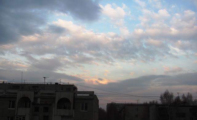 Небо над крышами в Томске