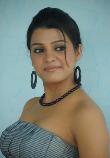 Tashu kaushik nice pictures