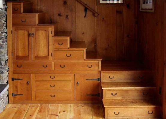 Raffinierter Treppenbau im Haus