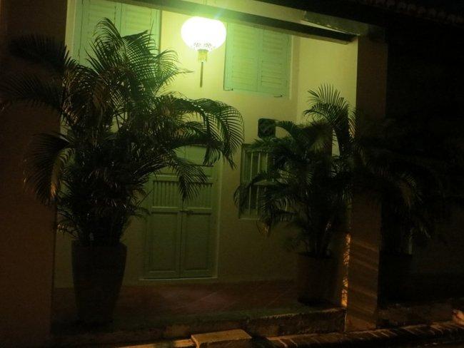 Входная дверь старого дома Малайзия