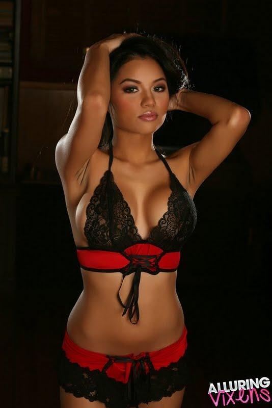 AsianCeleb » Nina Mascunana Sexy in Pink Bikini-02