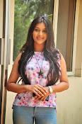 Pooja jhaveri new glam pics-thumbnail-10