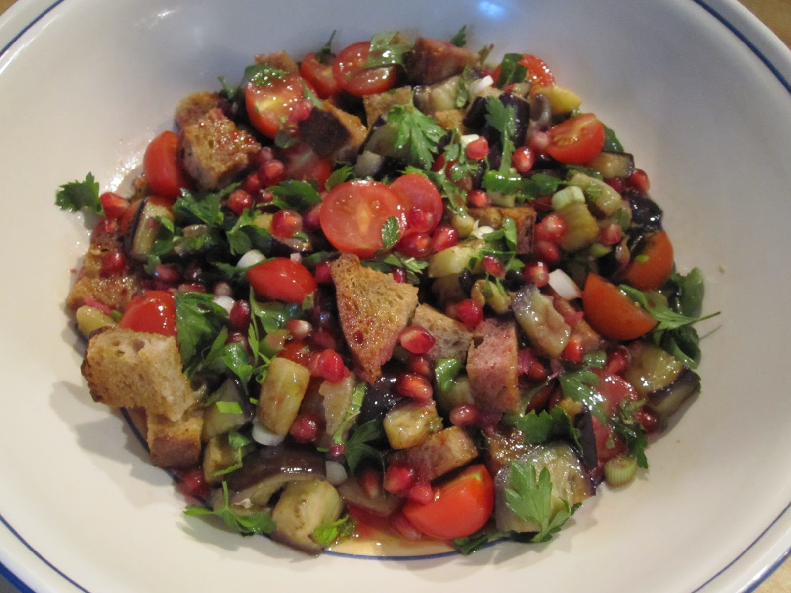 Vicky's Online Cookbook: Fattoush Salad with Pomegranate & Feta