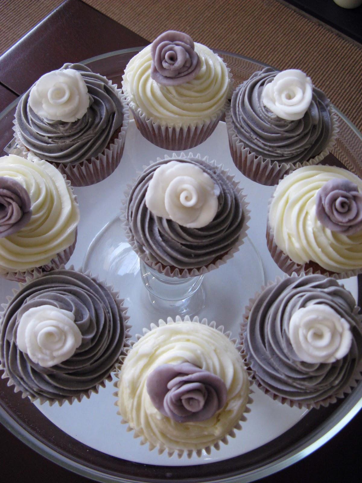 Purple Wedding Cupcakes Viewing Gallery