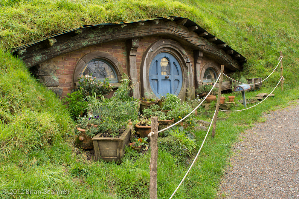 HAPPY MEDIUM STUDIOS: LORD OF THE RINGS HOBBIT HOMES