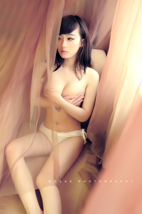 busty chinese girls nude