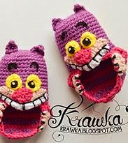 http://translate.google.es/translate?hl=es&sl=auto&tl=es&u=http%3A%2F%2Fkrawka.blogspot.com.es%2F2014%2F09%2Fcheshire-cat-baby-booties-pattern.html
