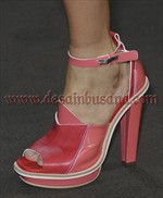 contoh sepatu wanita terkini