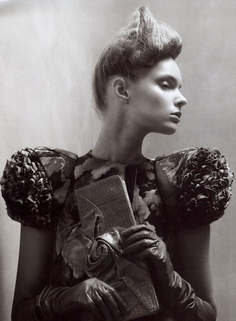 eflections of Glamour / Vogue Italia March 2008 (photography: Steven Meisel, styling: Edward Enninful)