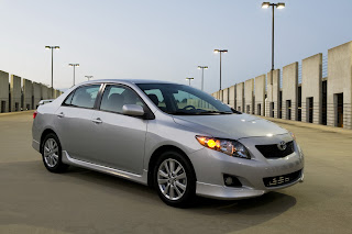 Toyota-Corolla_Altis_2011_India