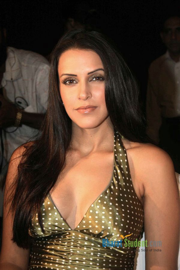 Neha Dhupia1 - Neha Dhupia in Golden Dress