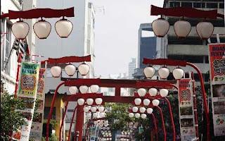 Lanternas japonesas nas ruas do bairro jardim Liberdade - São Paulo - SP