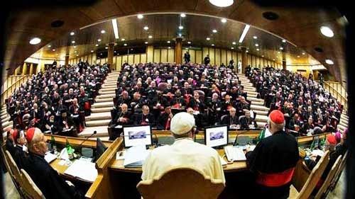 Citation 19/Pierre/l'Église catholique gouvernée par le successeur de Pierre.../ Sinodo2