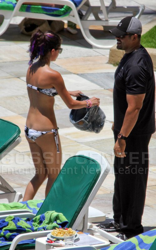 Selena Gómez: Sexy Bikini en Brasil