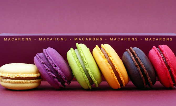 macarons_f​rench_conf​ection_cov​er_full
