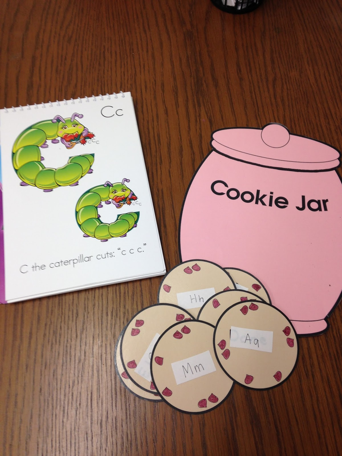 Amazing Action Alphabet: Cookie Jar Letter & Sounds Review Game