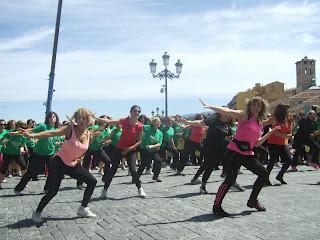 Zumba® Segovia Ociobaile. Evento Solidario. VI Marcha Mujeres Segovia Mayo 2013