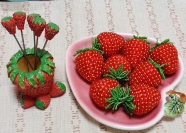 Detodomanualidades como hacer adornos de fresas con piedras y mostacillas - Fresas para piedra ...