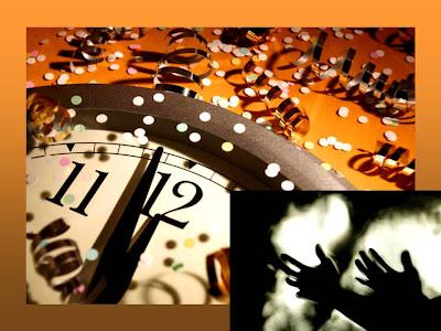 En la imagen un reloj marcando las doce y en la parte inferior unas manos implorando