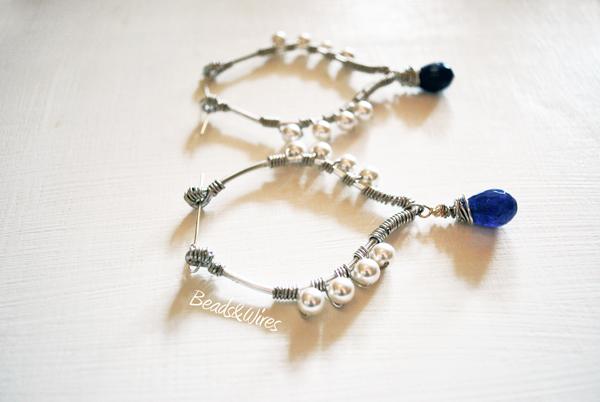 orecchino metallico perle