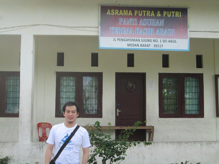 KEGIATAN BAKSOS BERSAMA EHIPASSIKO FOUNDATION DI PANTI ASUHAN TERIMA KASIH ABADI MEDAN 2012