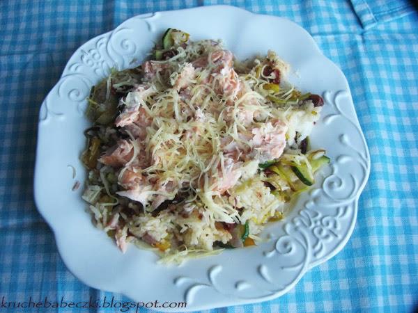 Łosoś pieczony w piekarniku i ryż z warzywami :)